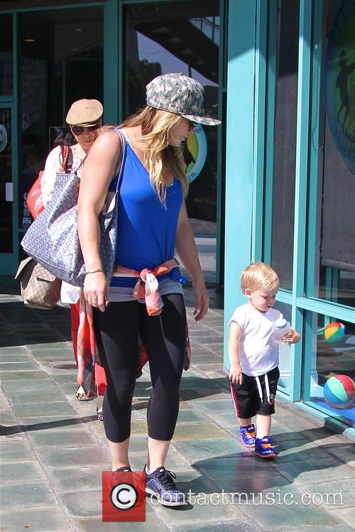 Hilary Duff and Lucas Comrie 5