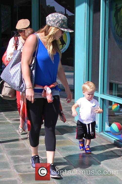 Hilary Duff and Lucas Comrie 8