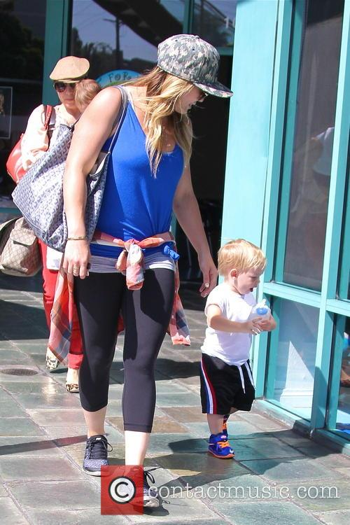 Hilary Duff and Lucas Comrie 10