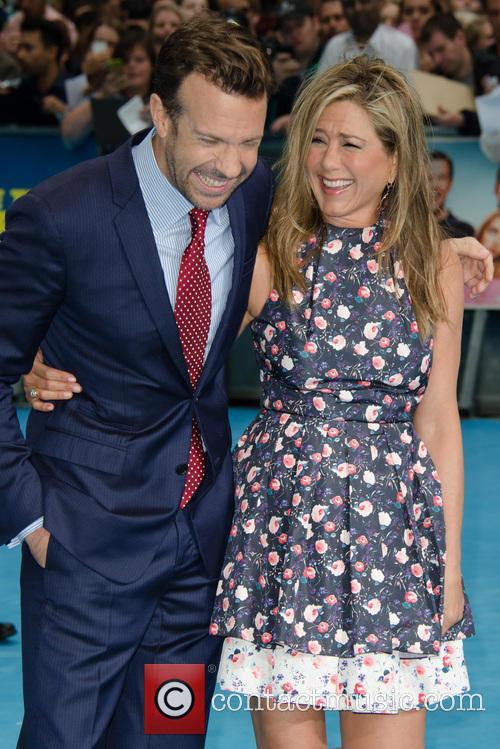 Jason Sudeikis and Jennifer Aniston 7