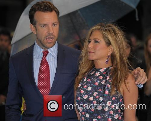 Jennifer Aniston and Jason Sudeikis 6