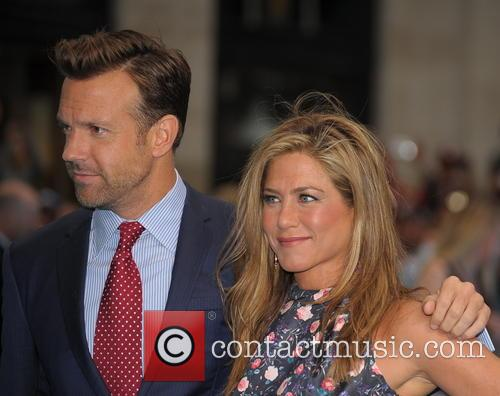 Jennifer Aniston and Jason Sudeikis 7