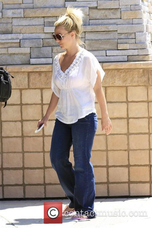 britney spears was pictured shopping in calabasas
