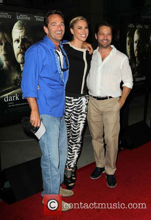 Luke Perry, Naomi Lowde-priestley and Jason Priestley 3