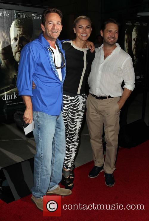 Luke Perry, Naomi Lowde-priestley and Jason Priestley 5