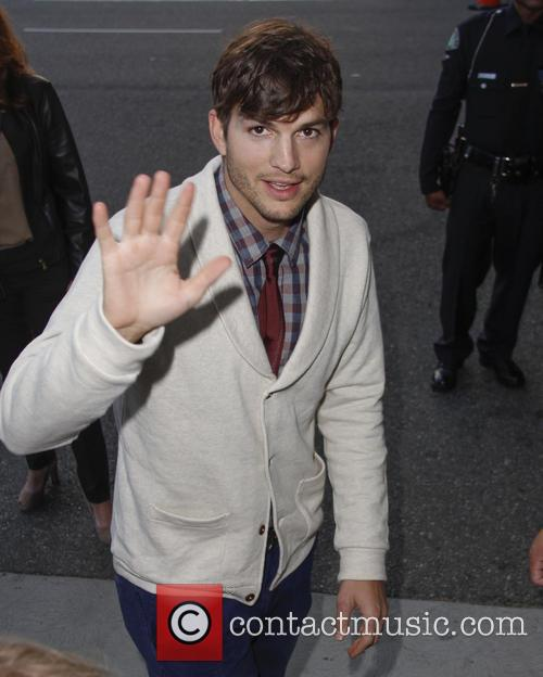 Ashton Kutcher Just Beat All Of Your Mother's Day Presents