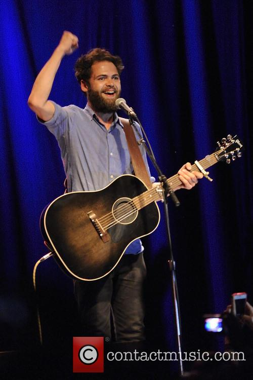 Passenger Performs In Toronto
