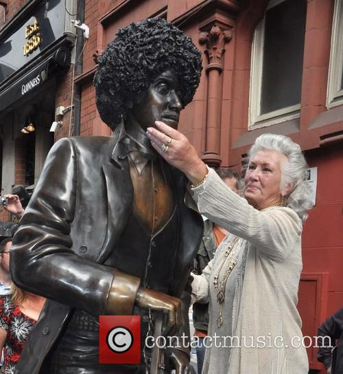 The unveiling of the newly repaired Phil Lynott...