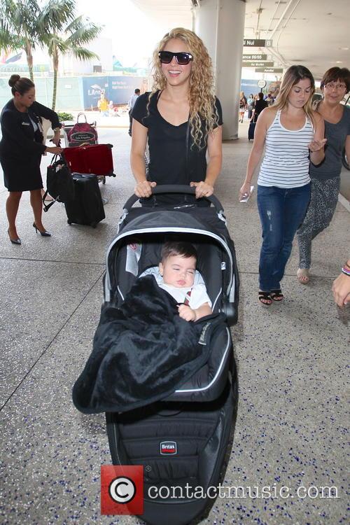 Shakira and Milan Pique Mebarak 5