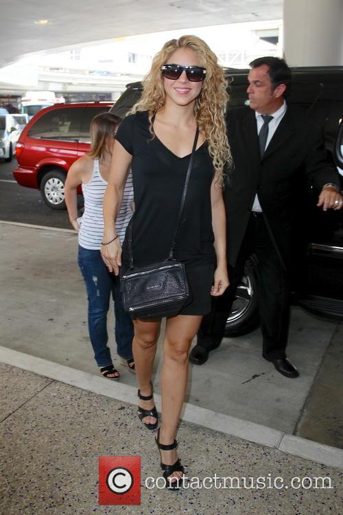Shakira, LAX Airport