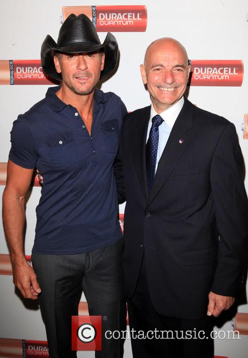 tim mcgraw salvatore j cassano tim mcgraw helps 3817850