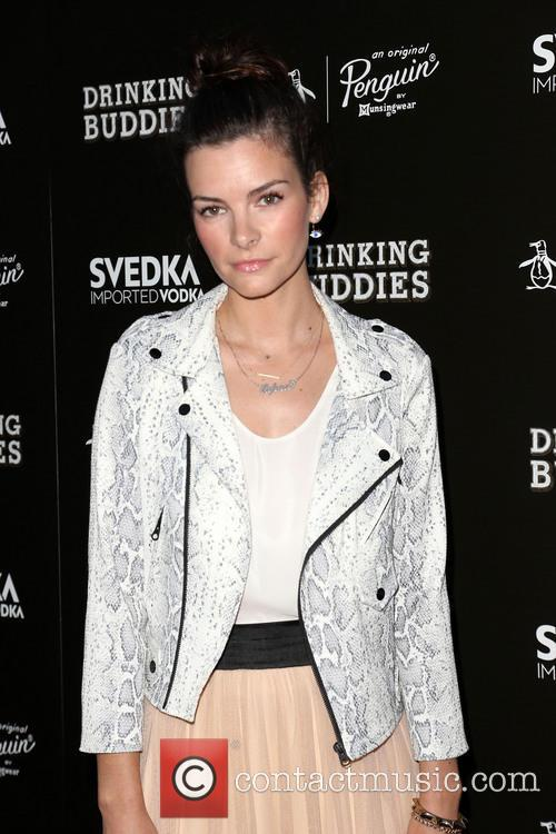 Kelly Oxford 4