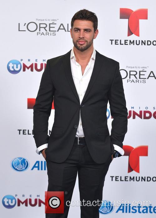 Christian De La Campa 9