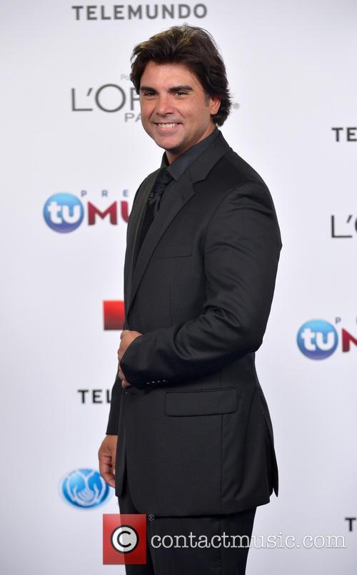 Jorge Luis Pila - Telemundo's Premios Tu Mundo Awards 2013 ...
