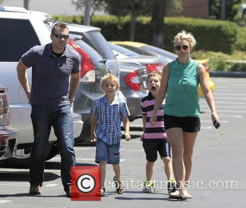 Britney Spears, Sean Federline and Jayden James Federline 5