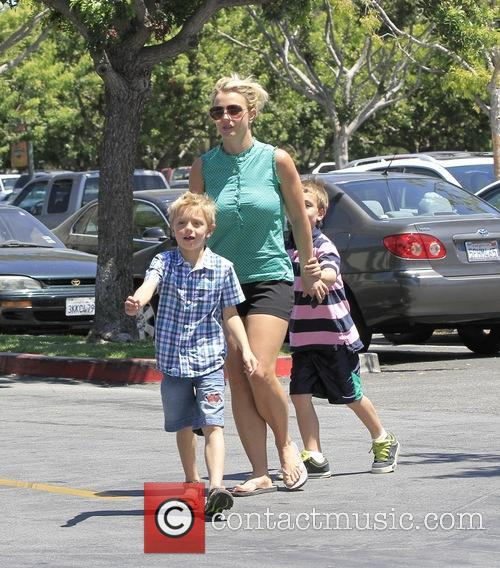 Britney Spears, Sean Federline and Jayden James Federline 6