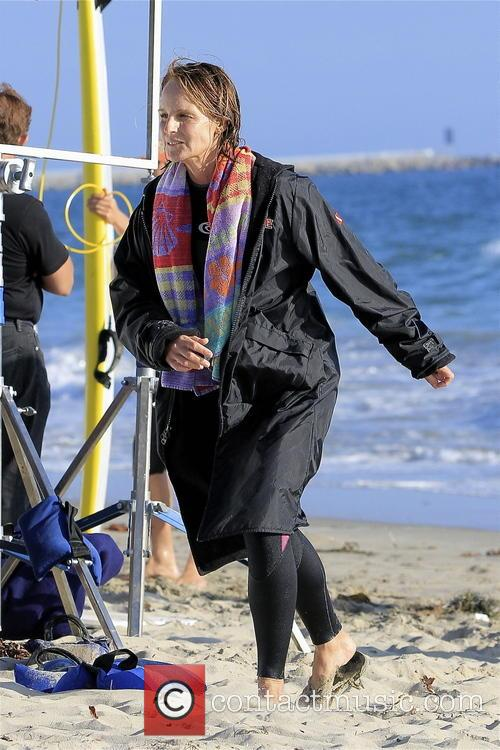 helen hunt was pictured with her double doing a beach scene