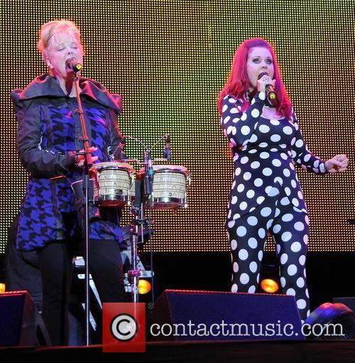 The B-52's, Kate Pierson and Cindy Wilson 2