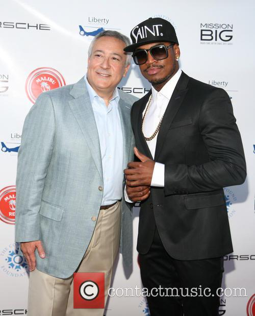 Stuart C. Snyder and Ne-yo 2