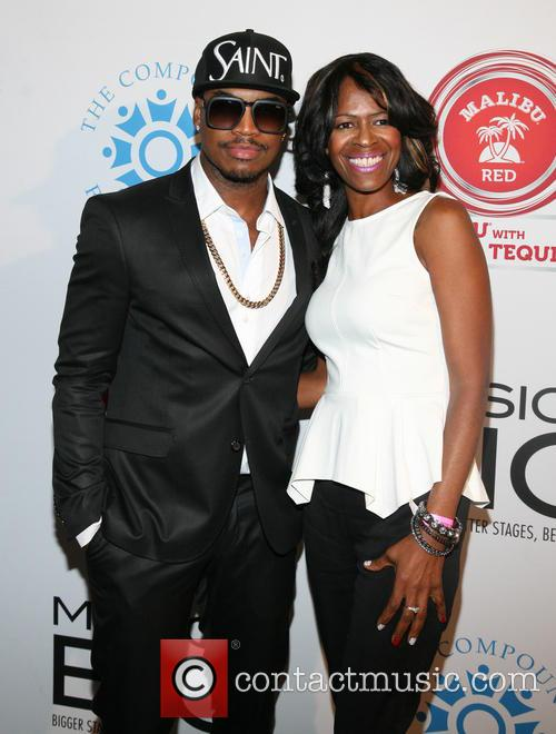 Ne-yo and Mother Loraine Smith 1