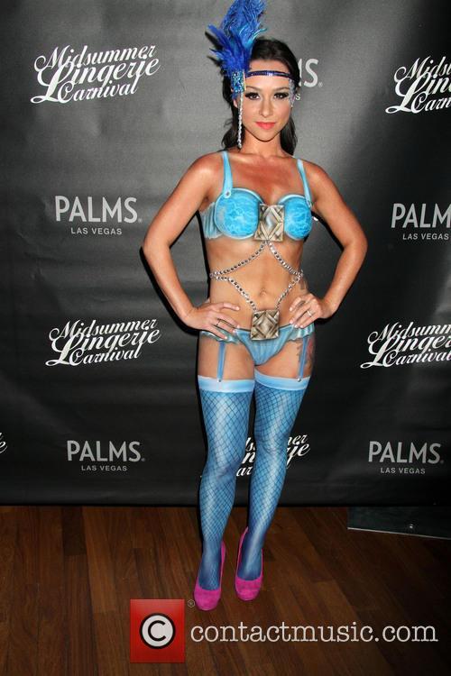 Danielle Harris 33