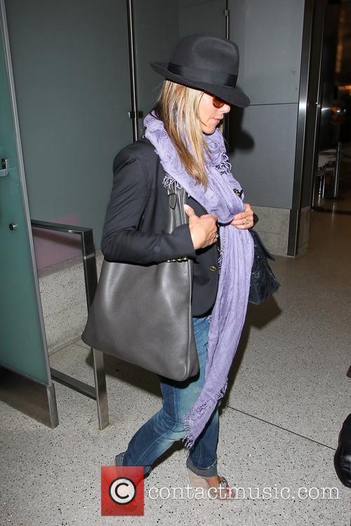 Jennifer Aniston 24