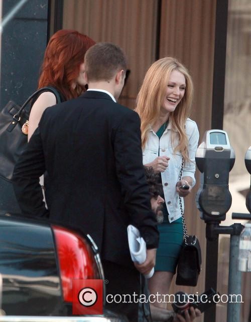 Robert Pattinson and Julianne Moore 4