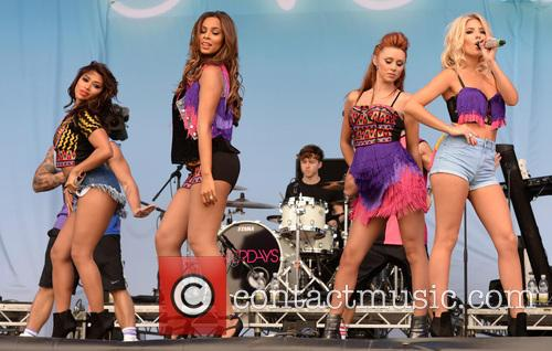 Mollie King, Una Healy, Rochelle Wiseman, Vanessa White and The Saturdays 7