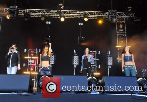 Edele Lynch, Lindsay Armaou, Keavy Lynch, Sinéad O'carroll and B*witched 2