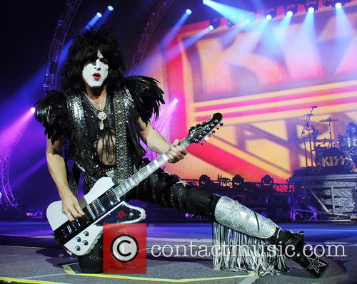 paul stanley kiss performing live in concert 4001679