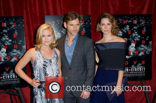 Julia Stiles, Eric Bana and Rebecca Hall 11