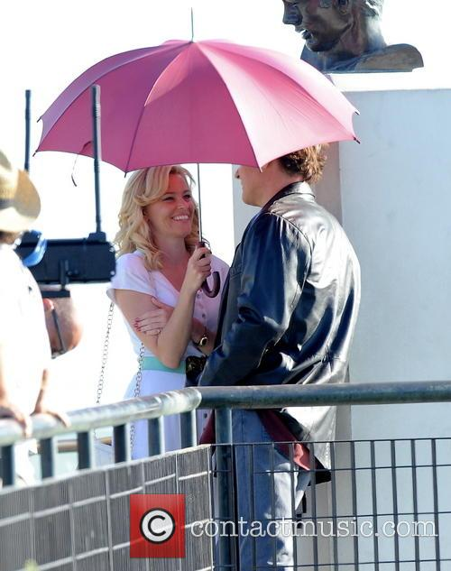 Elizabeth Banks and John Cusack 3