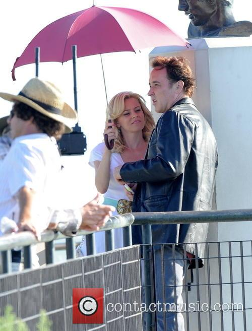 Elizabeth Banks and John Cusack 7