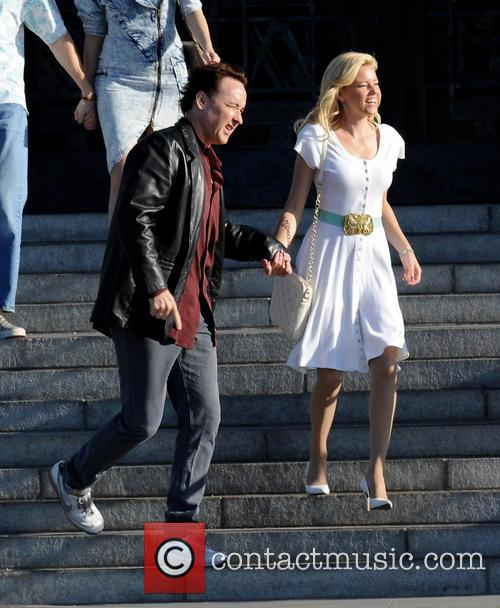 Elizabeth Banks and John Cusack 12