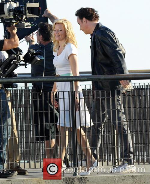 Elizabeth Banks and John Cusack 13