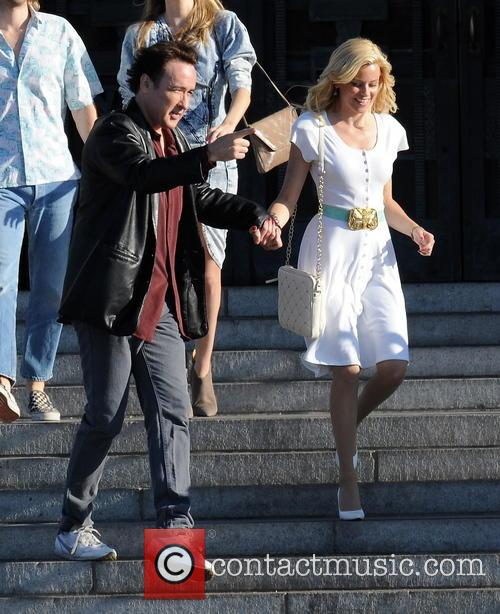 Elizabeth Banks and John Cusack 14