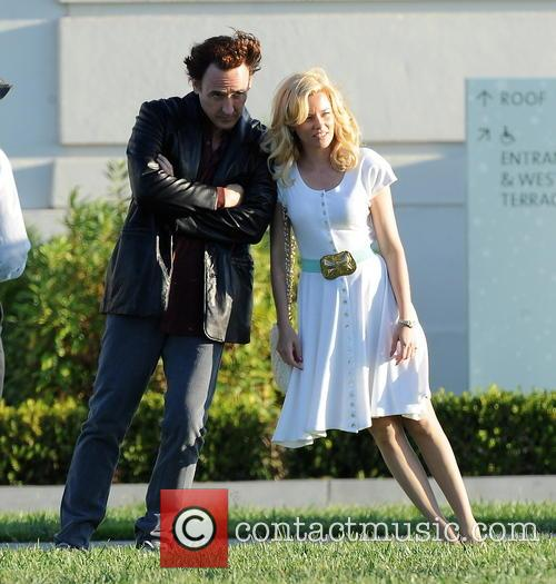 Elizabeth Banks and John Cusack 16