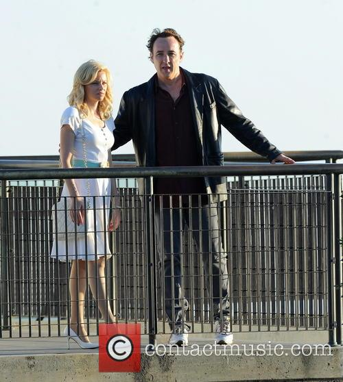 Elizabeth Banks and John Cusack 24