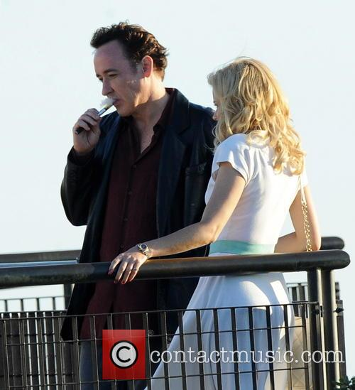 Elizabeth Banks and John Cusack 25