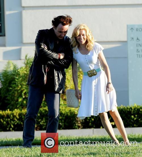 Elizabeth Banks and John Cusack 28