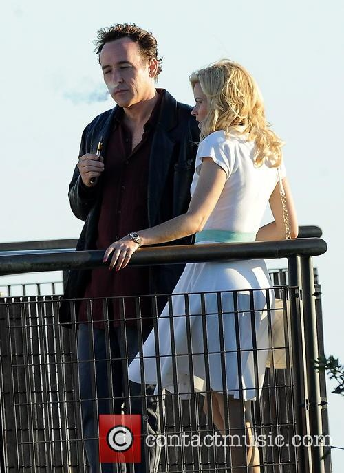 Elizabeth Banks and John Cusack 29
