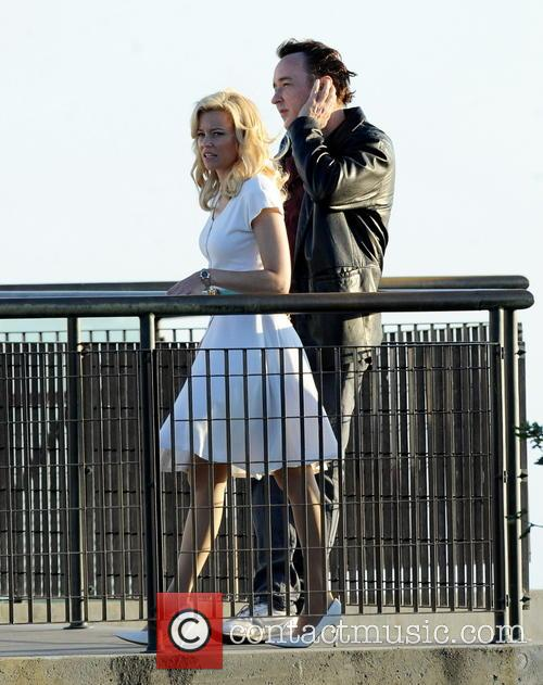 Elizabeth Banks and John Cusack 31