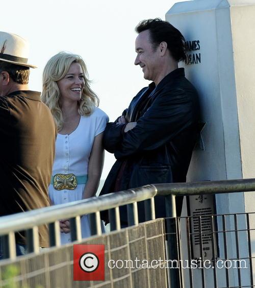 Elizabeth Banks and John Cusack 38