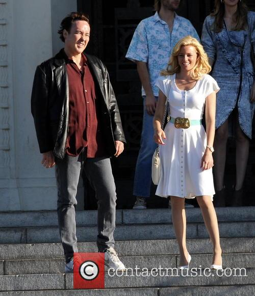 Elizabeth Banks and John Cusack 39