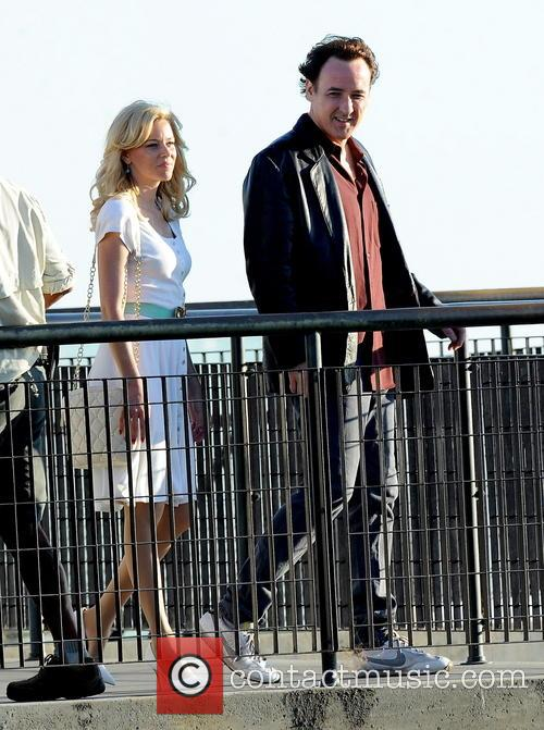 Elizabeth Banks and John Cusack 42