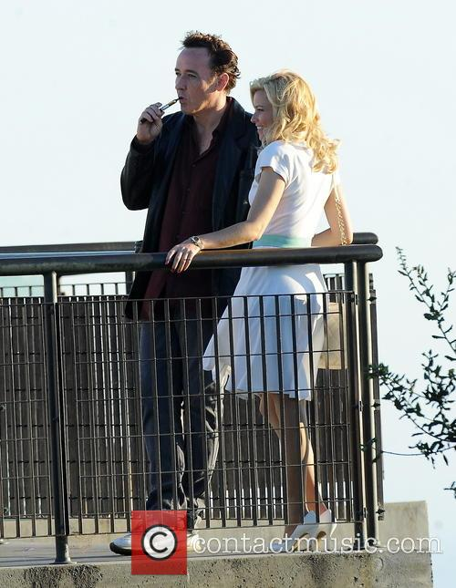 Elizabeth Banks and John Cusack 46