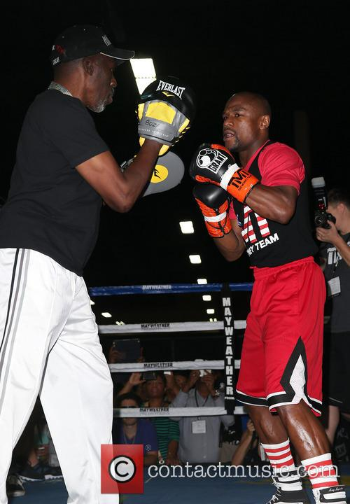 Floyd Mayweather, Las Vegas Convention Center and Mandalay Bay Resort and Casino