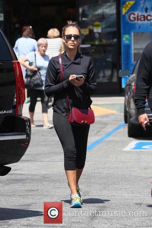 Jessica Alba goes shopping