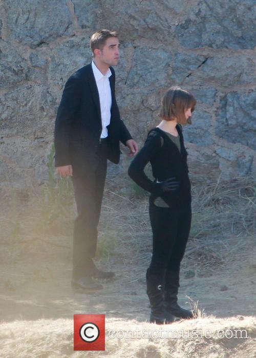 Robert Pattinson and Mia Wasikowska 4