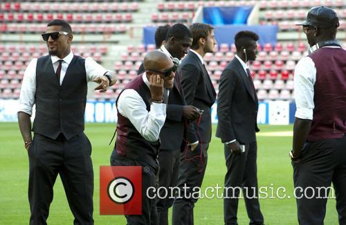 Nigel De Jong and Mario Balotelli 2